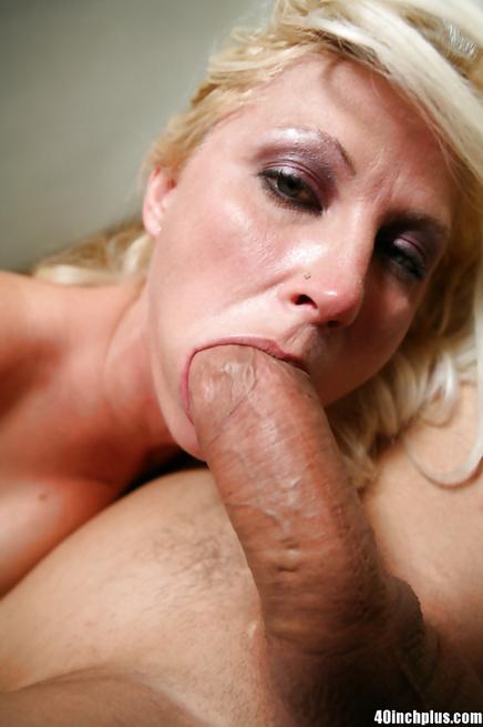 Big cock from a muscular stud nailing an astounding pornstar