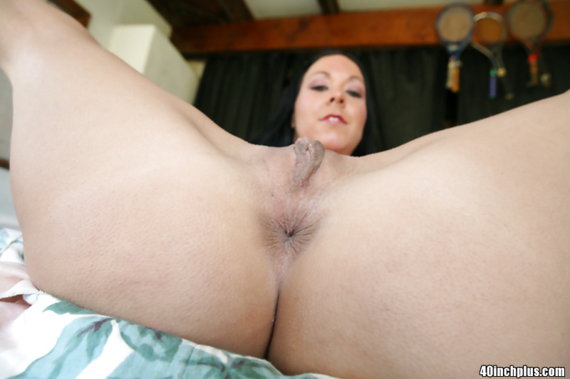 Big cock penetrating a splendid beauty while on a comfortable bed