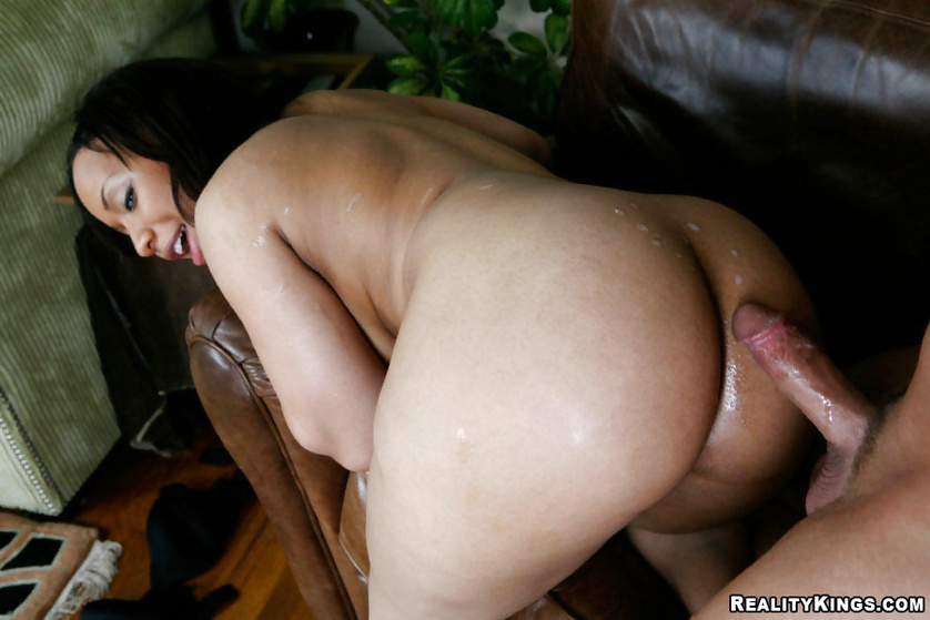 Fat and very sexy Tia Cherry loves having her black pussy fucked