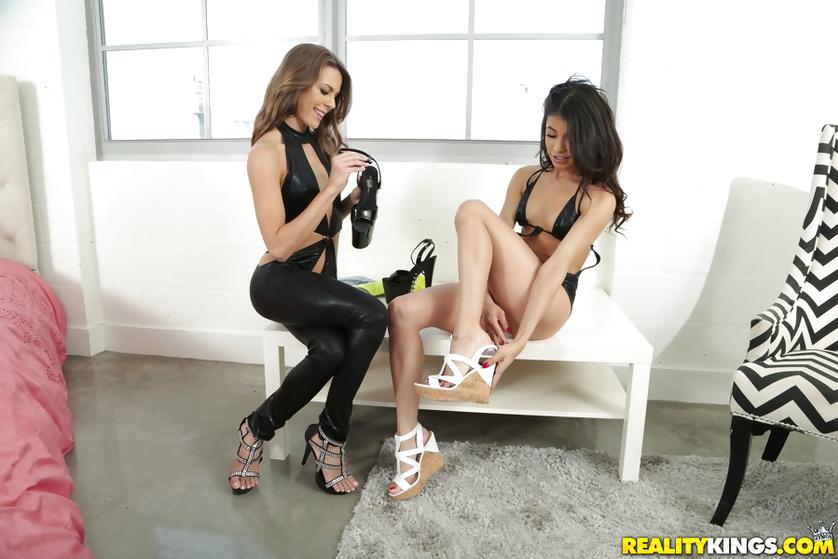 Latina brunette is enjoying lesbian fuck with her girlfriend