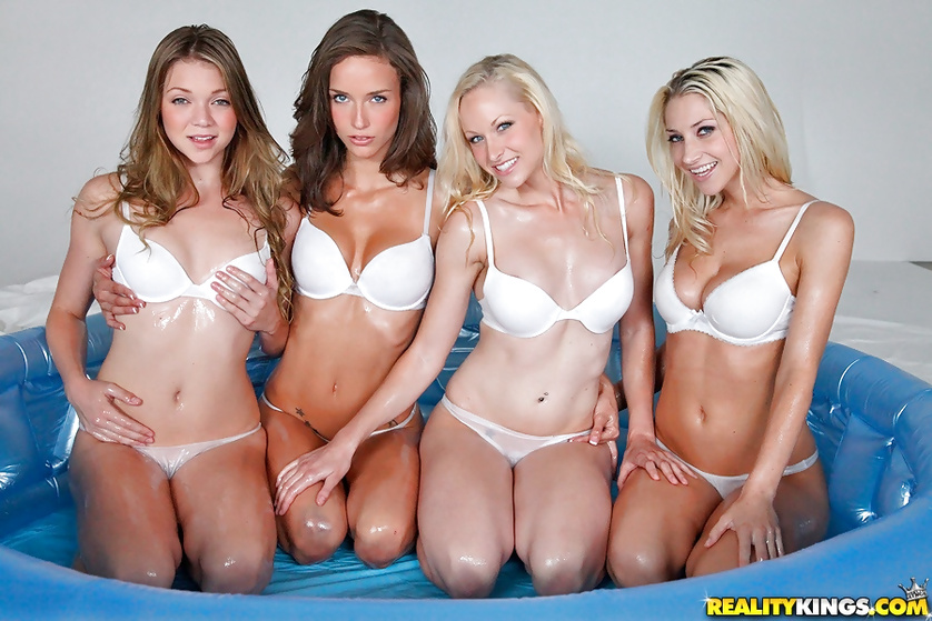 Oiled sluts are having foursome in the pool