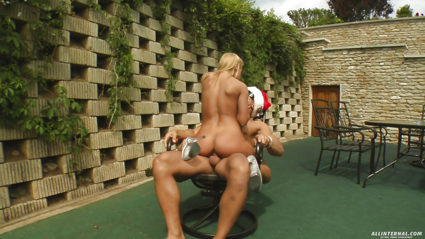 Blonde in a USA-themed bikini has been a naughty girl all year long