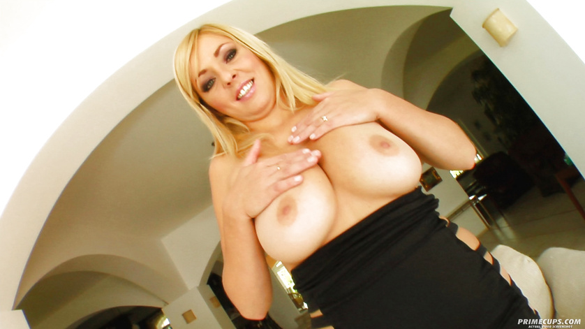Two busty men are penetrating holes of lovely blonde