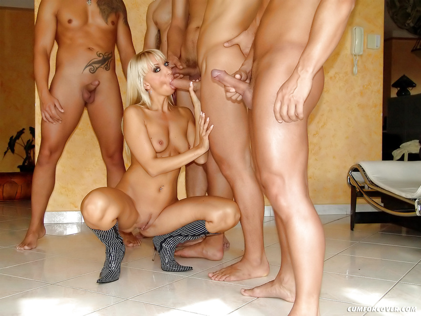 It's a pleasure for lovely blonde to suck massive boners