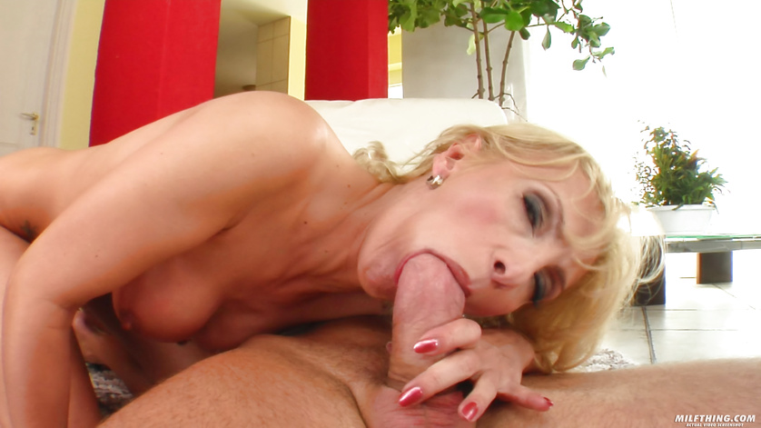 This MILF wants to fuck and to eat tasty cum