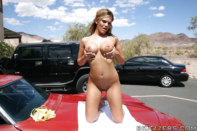 Exhibitionist MILF gets on top of a car to get ruthlessly fucked