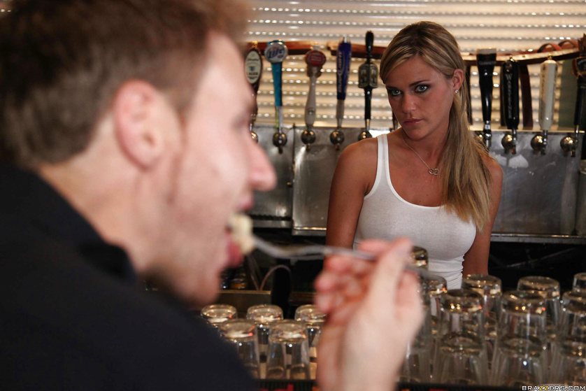 Horny blonde waitress fucking a big-dicked police officer in a bar