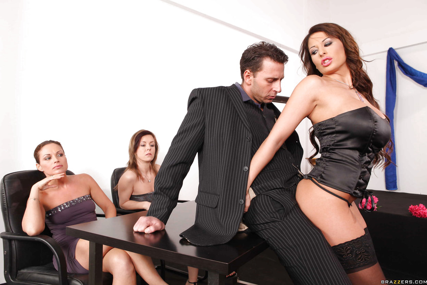 Brunette in stockings fucked ruthlessly in front of an audience