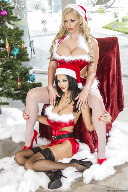 Santa's naughty little helpers get their assholes destroyed together