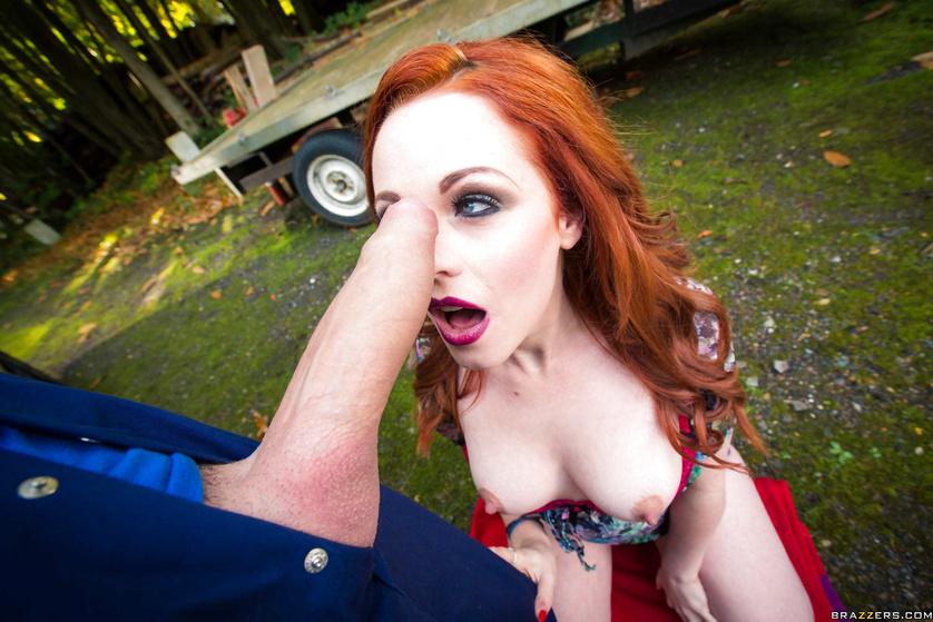 Redhead has car trouble, decides to fuck this good Samaritan