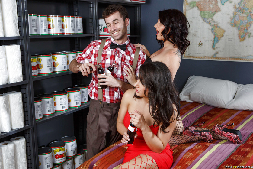 Nerdy Coca Cola aficionado gets to fuck two stacked babes in fishnets