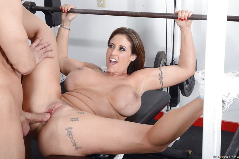 Fucking in the gym is what this busy model loves so much