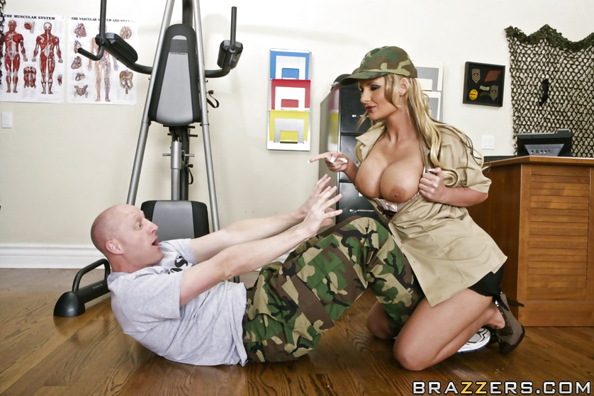 Strong army man loves fucking this gorgeous MILF in sexy lingerie