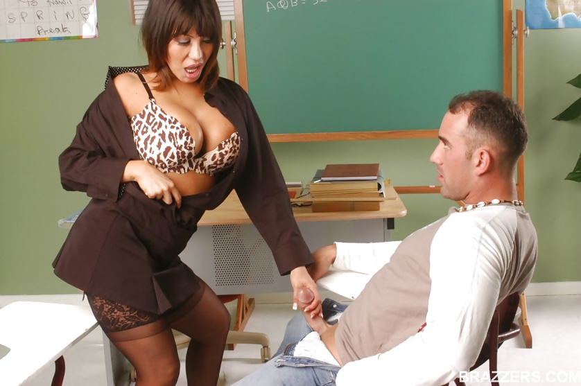 Leopard print loving teacher gets her pussy licked and dicked