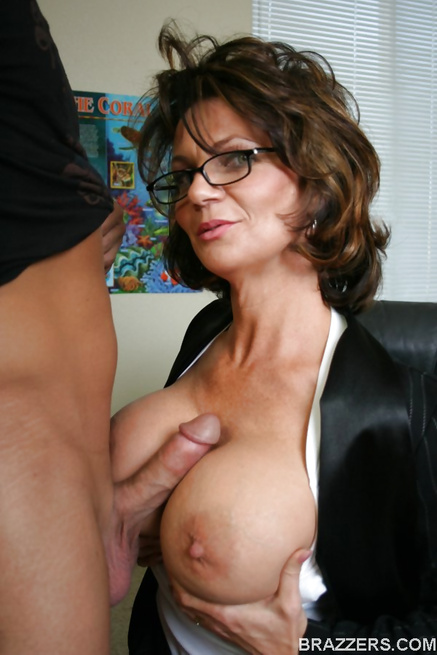 Dirty brunette MILF babe gets to fuck a big-dicked bald dude