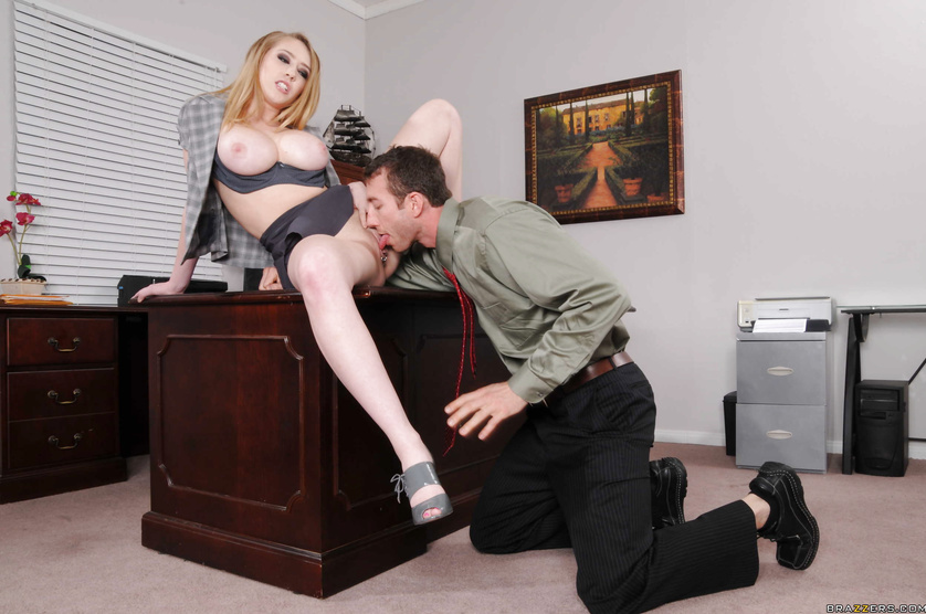 Hung office worker gets seriously injured and pity-fucked by a blonde