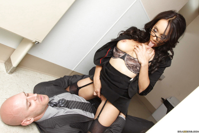Glasses-wearing babe catches a pervert that watches her masturbate