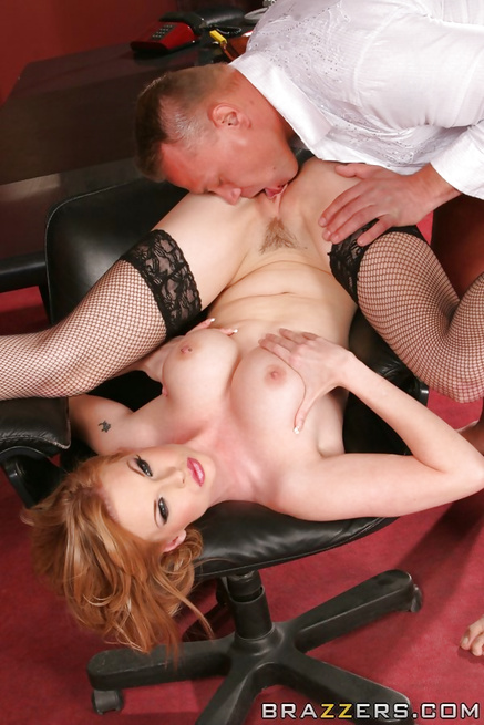 Fishents-wearing tramp Tarra White gets fucked just right
