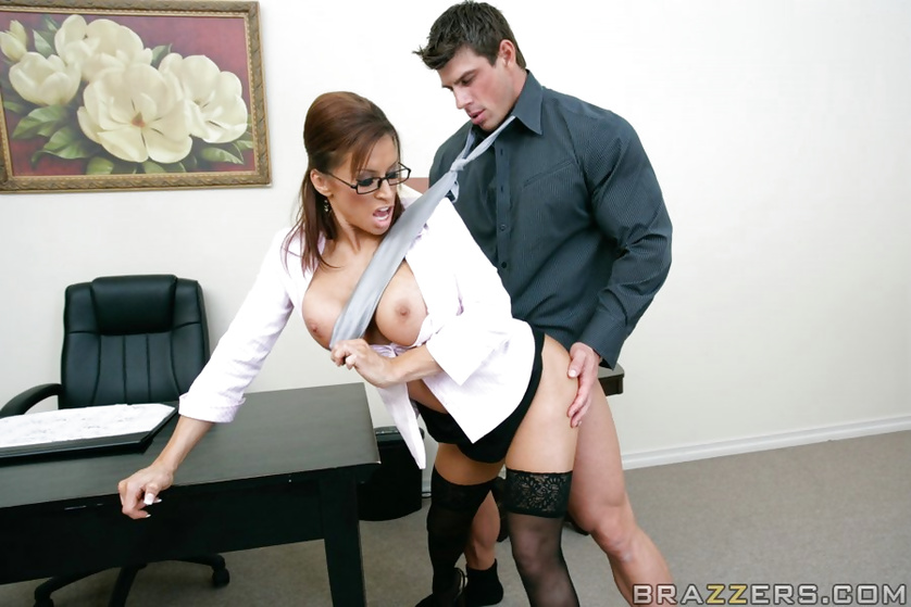 Dirty glasses-wearing gal gets fucked by a guy with a massive cock
