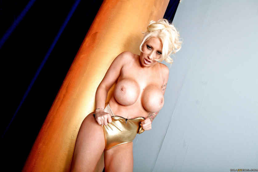 Dirty games with the gorgeous blonde wearing golden lingerie