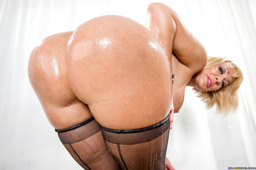 Nothing can stop this buy banging the chubby MILF in stockings