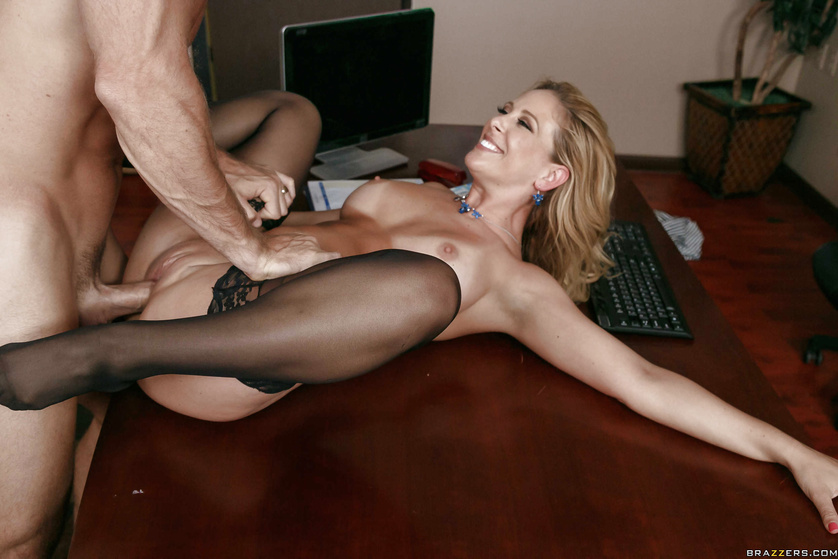 Mesmerizingly hot MILF gets ruthlessly drilled from behind