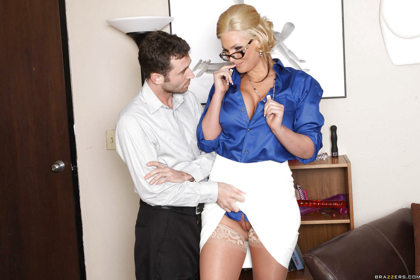 Dirty teacher blonde gets her anal hole stretched with a dildo