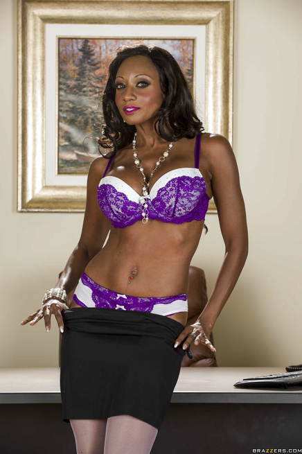 Diamond Jackson decides to do some lingerie modelling of her own