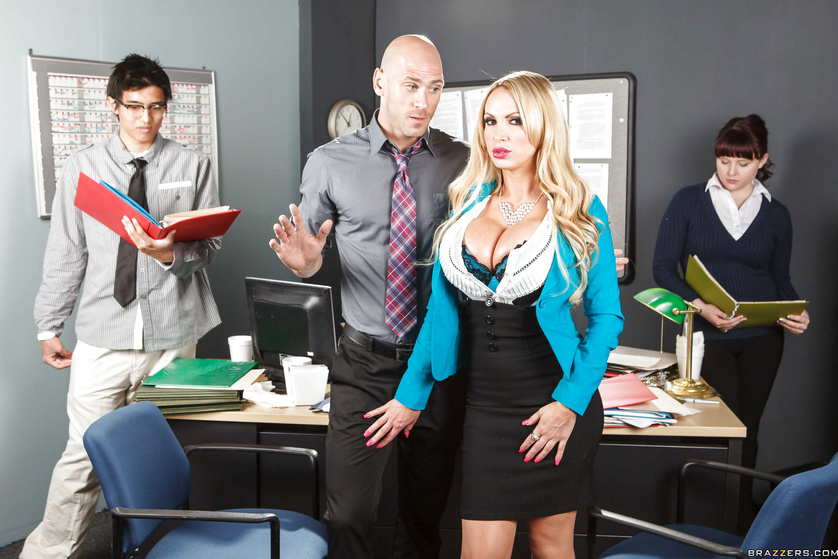 Nikki Benz decides to fuck a guy while the office is under construction