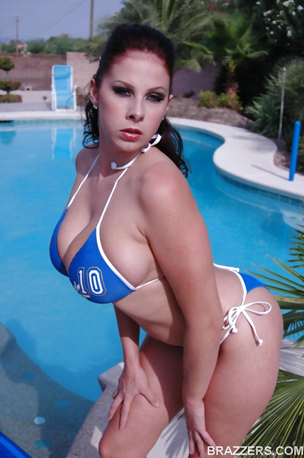Juicy Gianna Michaels is in charge of his cock, she owns it