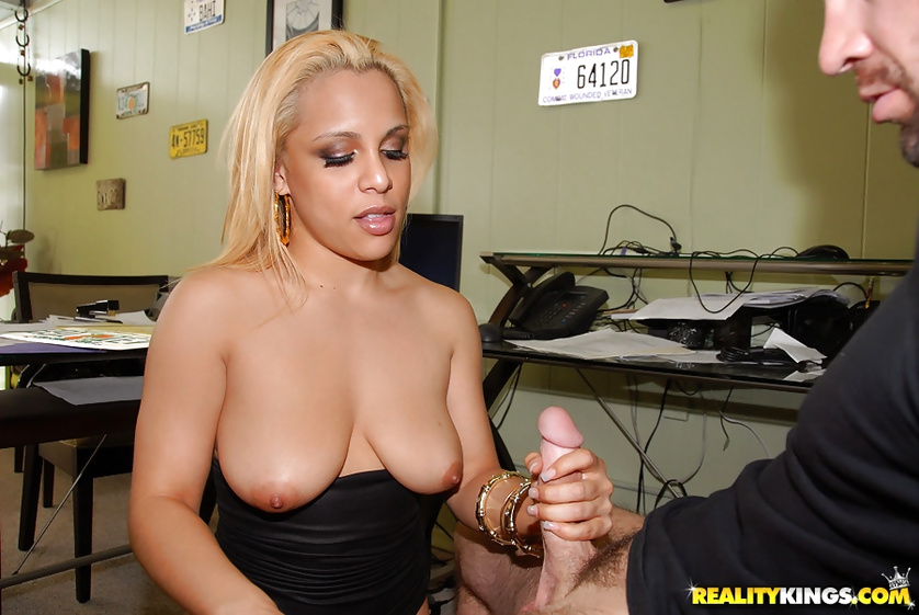 Big-tittied blonde woman is getting holes penetrated wildly