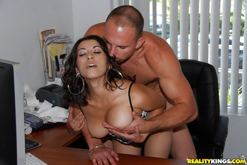 Young madam Jessi Foster is getting penetrated at home