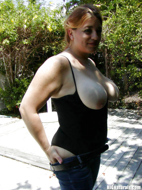 Revealing astounding big tits and tight pussy at the pool side