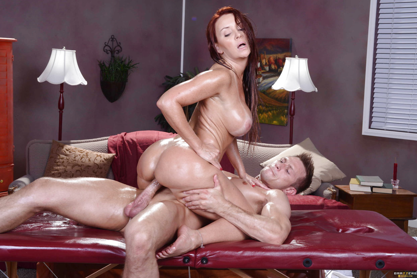 Redhead gets the best massage session of her entire life
