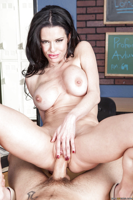The ultimate MILF Veronica Avluv sets her sights on one of her students