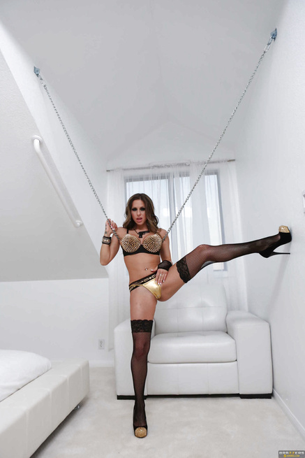 The most beautiful porn diva in the world gets pounded on the floor