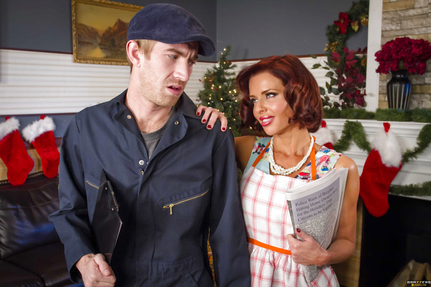 Miracle on the MILF street: redhead's pussy pounded ruthlessly