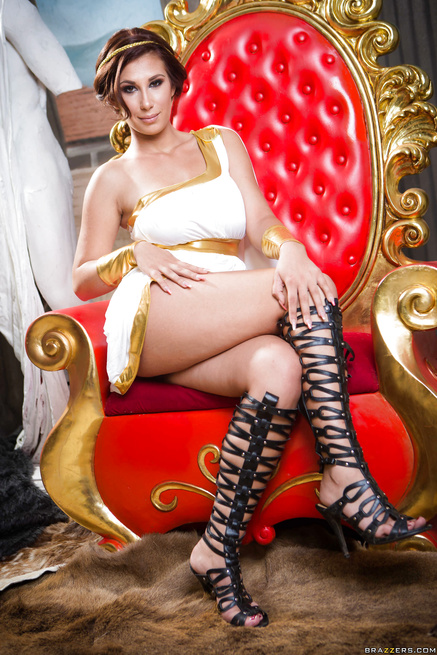 Sensational queen is getting banged wildly on the throne