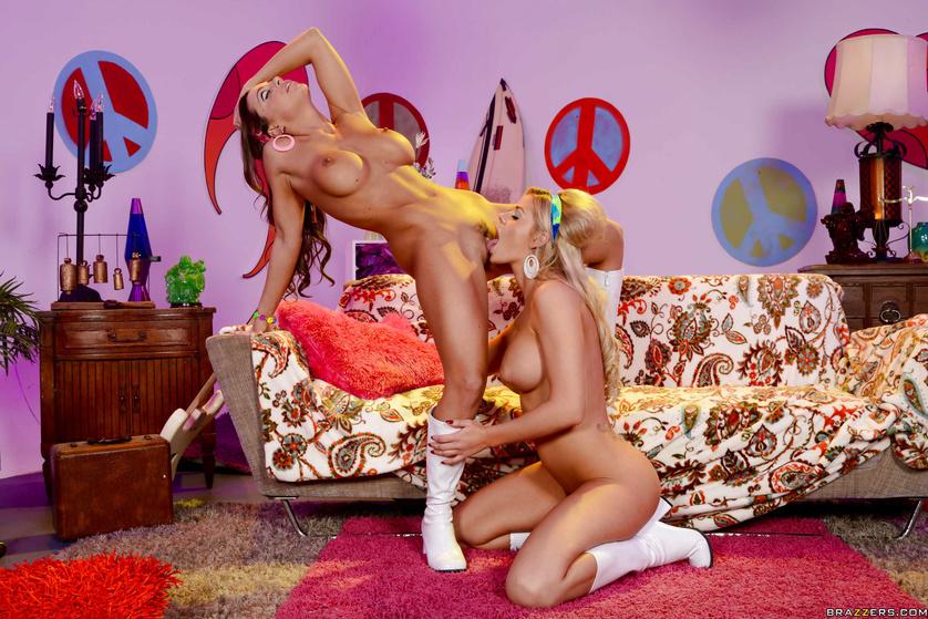 Make lesbian love, not war: a horny hippy lesbian scene