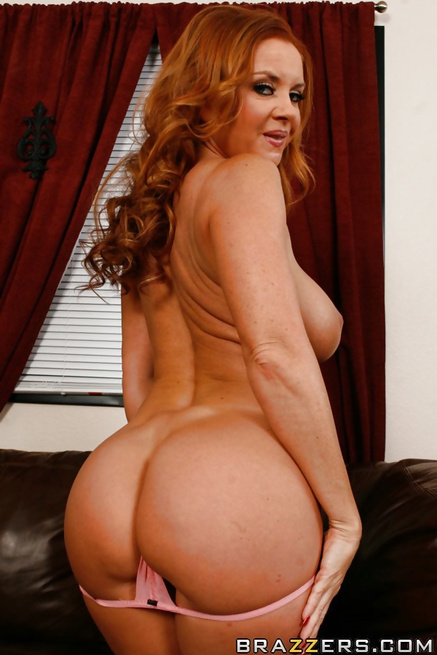 Strong men are banging the ginger MILF and the blonde lady