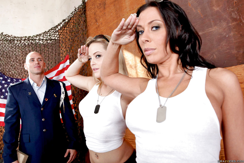 Alexis Texas and Rachel Starr double teaming a big dicked ace pilot