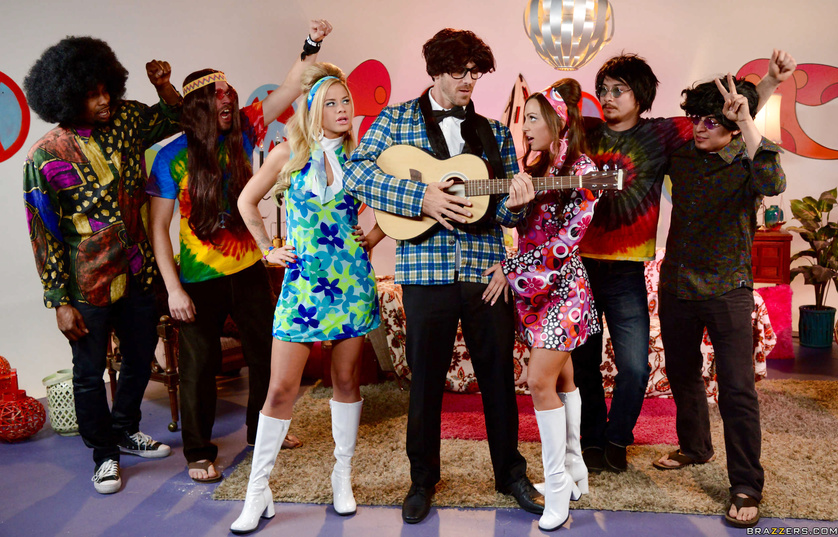 70s-style hippy party leads into an amazing FFM threesome