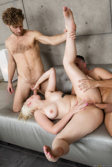 Fresh out of the shower blonde fucked by two big-dicked dudes