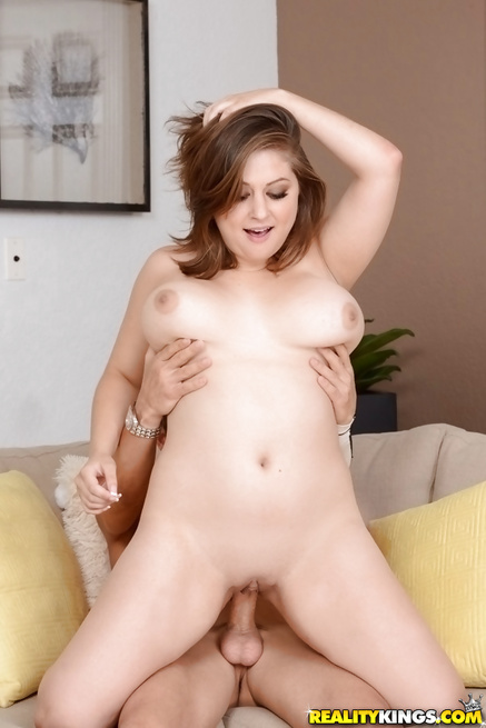 She loves her passionate boyfriend's penis so much