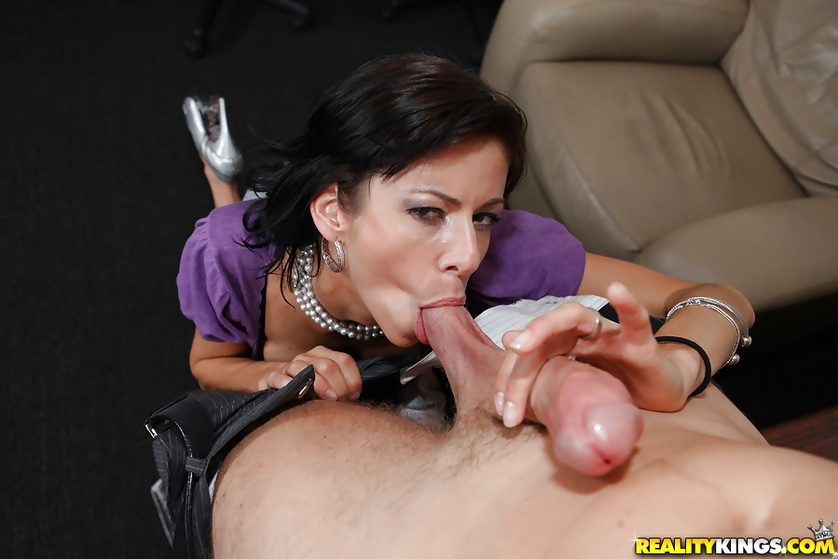 Rich lady with big tits seduces her secretary for a quick fuck