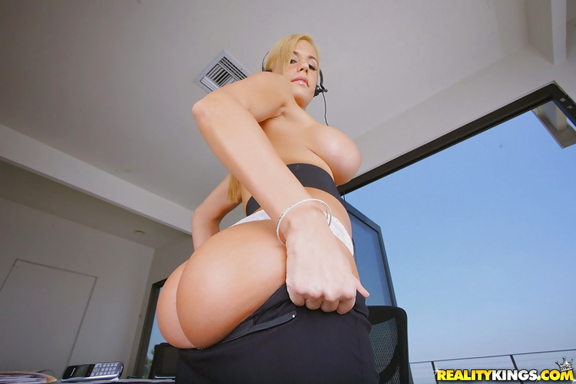 Astounding fuck features Mariah Madysinn in stockings and high heels