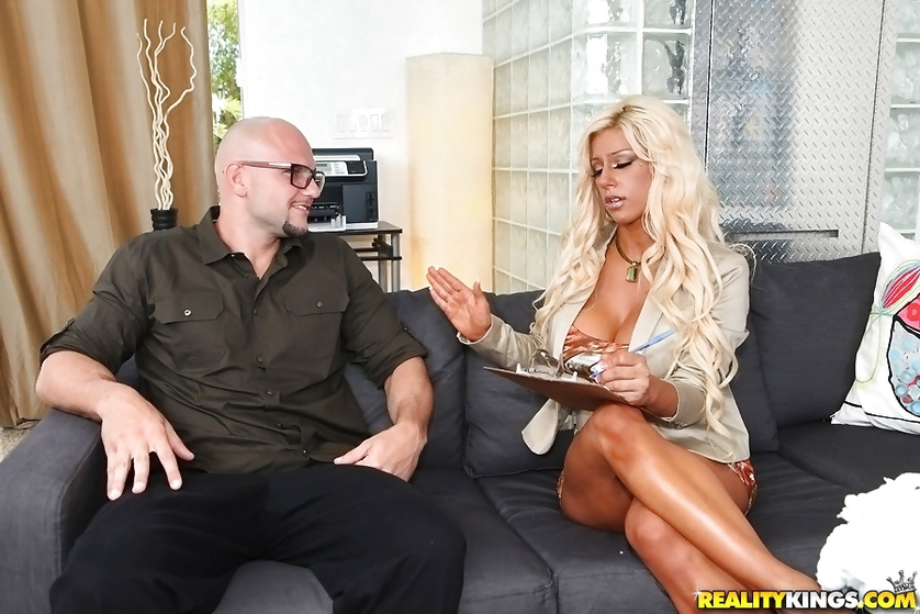 Gianna Capone has her pussy licked and pounded with a big cock