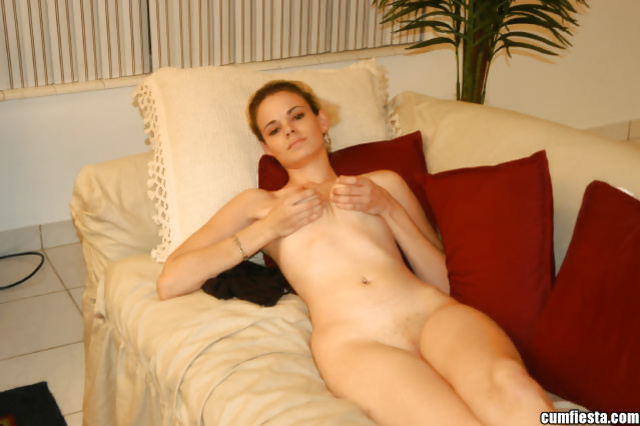 Lustful woman loves playing with strong penis and eating cum