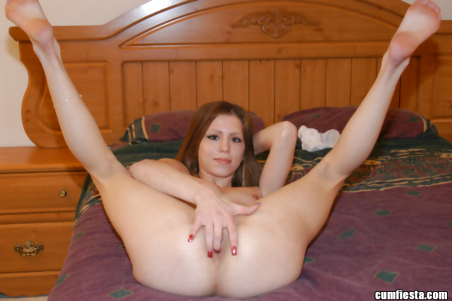 Flexible chick is getting shaved twat penetrated deep