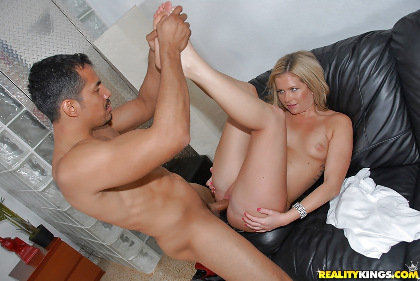 Blonde's boyfriend is fucking her in all the holes hard